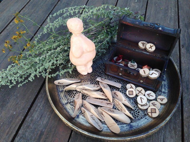 Runen und Rituale